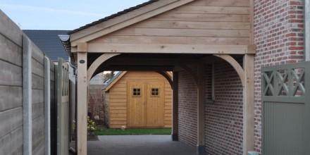 Luifel voordeur hout huis luifels luifel houten ramen for Zelf huis bouwen kostprijs